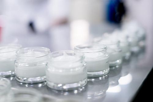 solution de devracage pour le secteur cosmetique